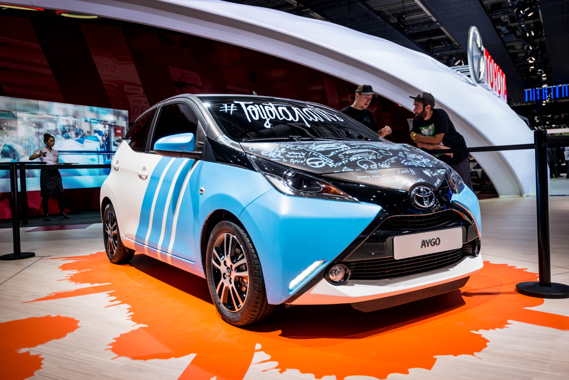custom car art toyota aygo at the paris motor show. Black Bedroom Furniture Sets. Home Design Ideas
