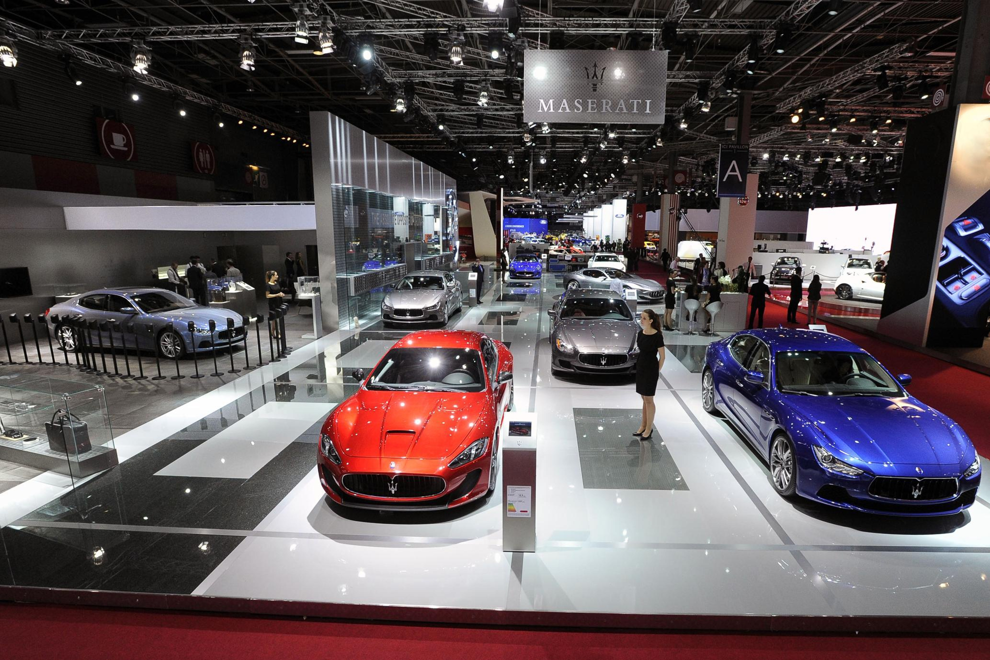 https://3d-car-shows.com/wp-content/uploads/2014/10/ParisMotorShow.jpg