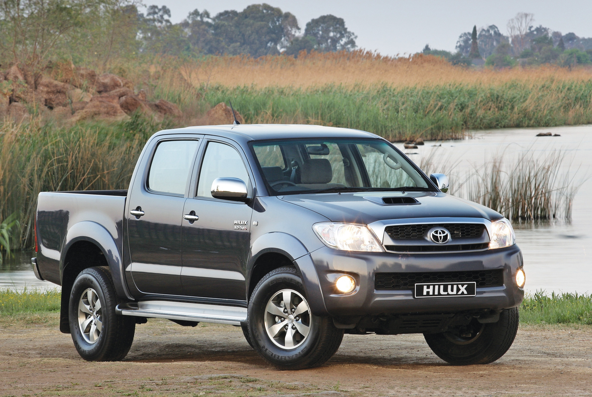 Toyota-Hilux-7th-generation