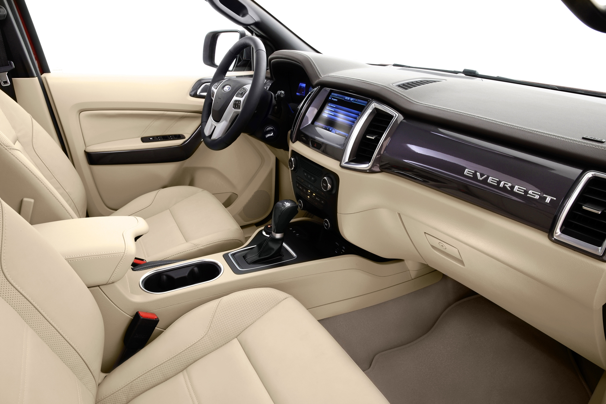 Ford-Everest-2015-Interior
