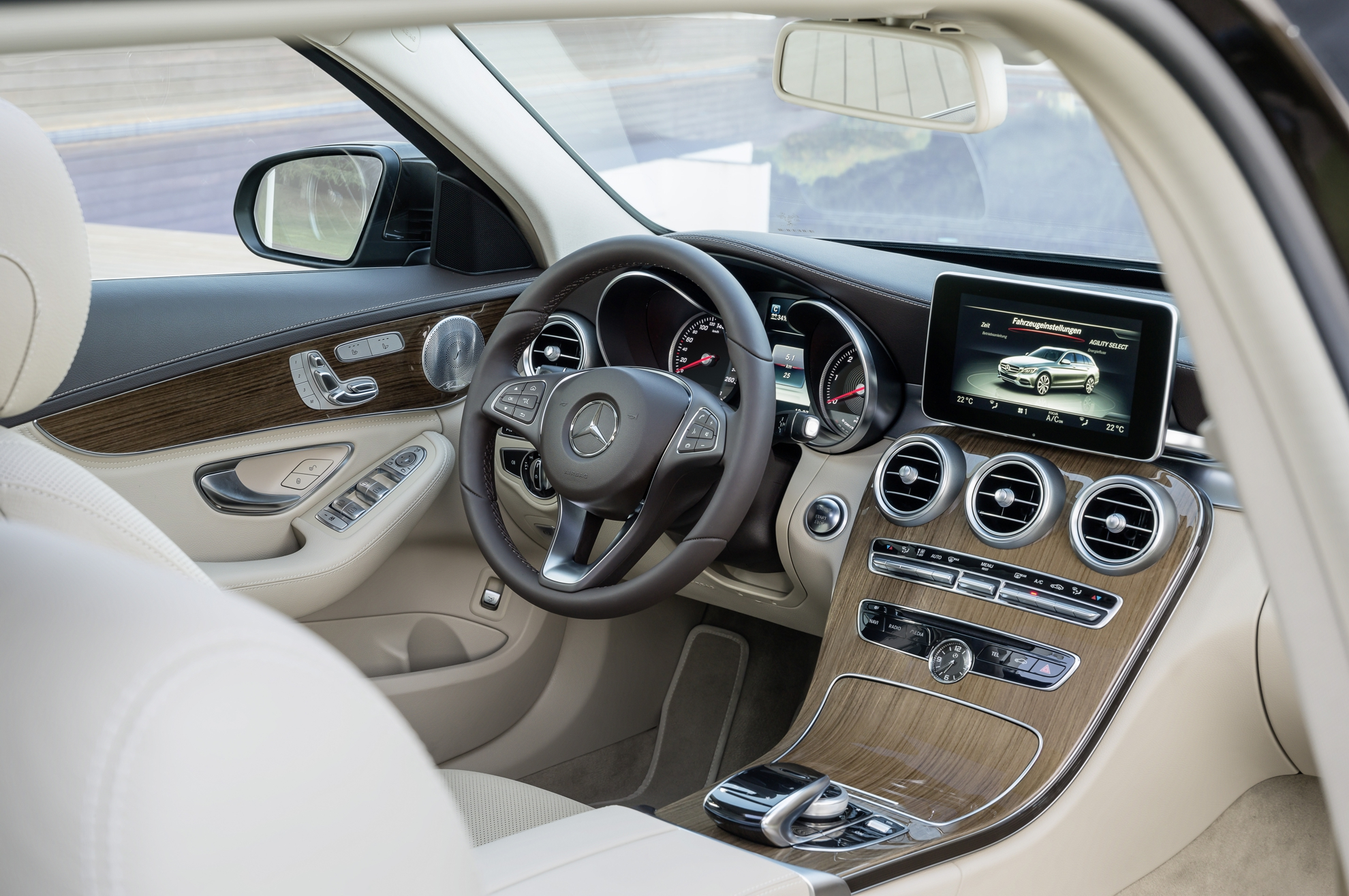 Mercedes-Benz-C-Class-Estate-Interior
