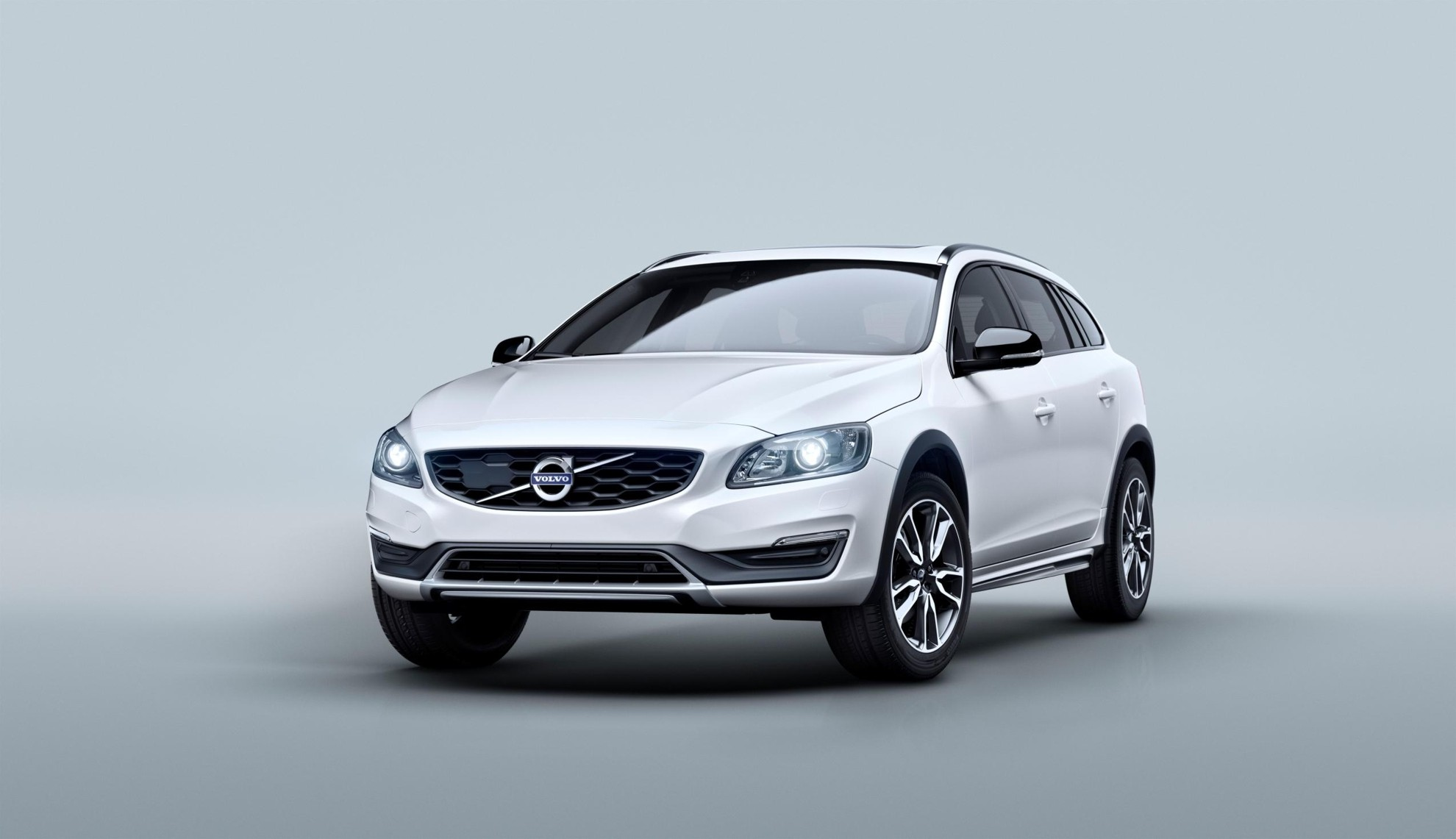 Volvo_V60_Cross_Country-5
