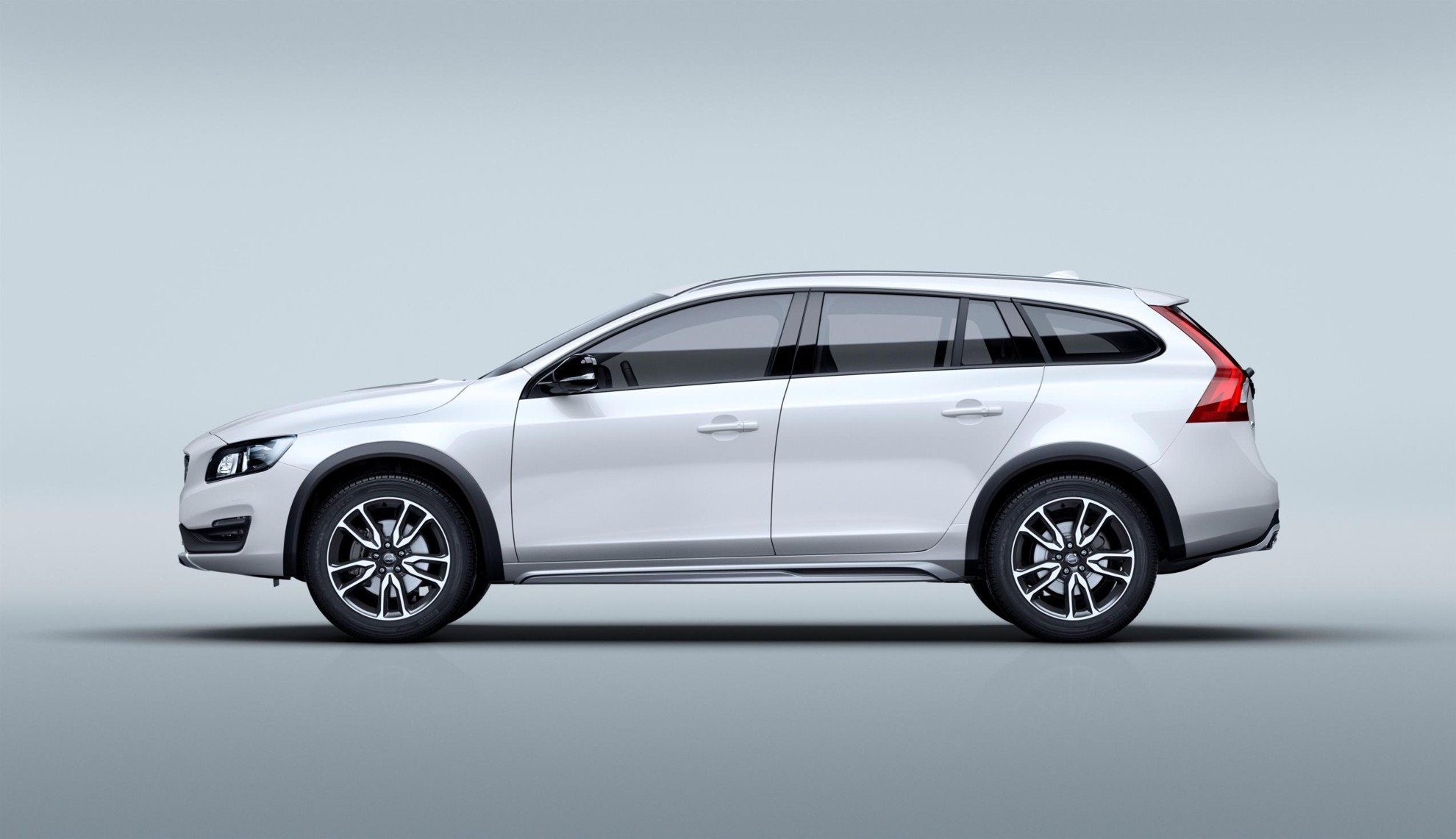 Volvo_V60_Cross_Country-8