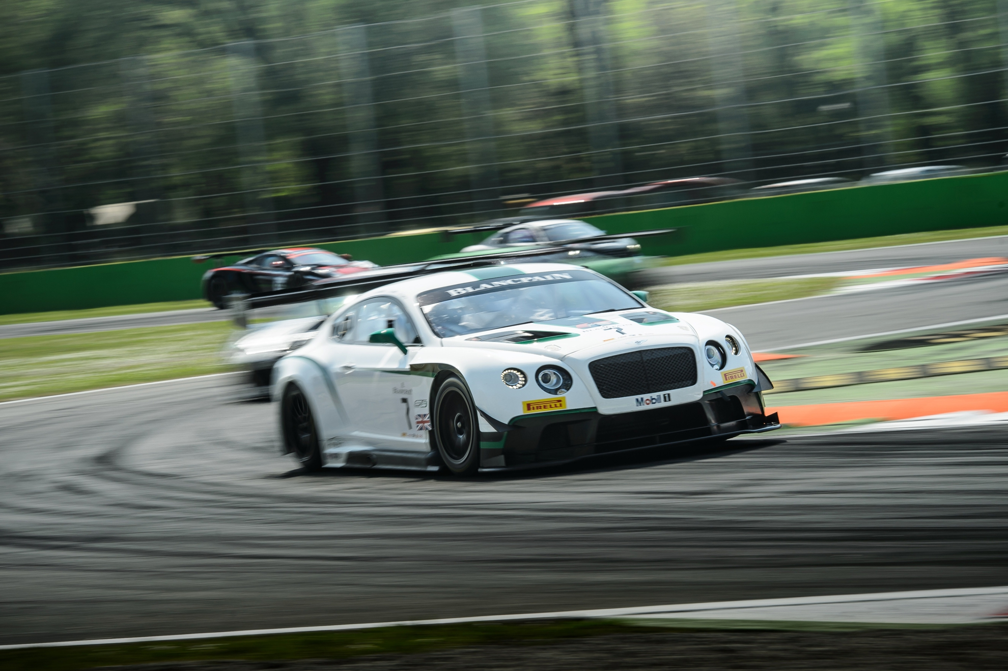 Bentley-Motorsport