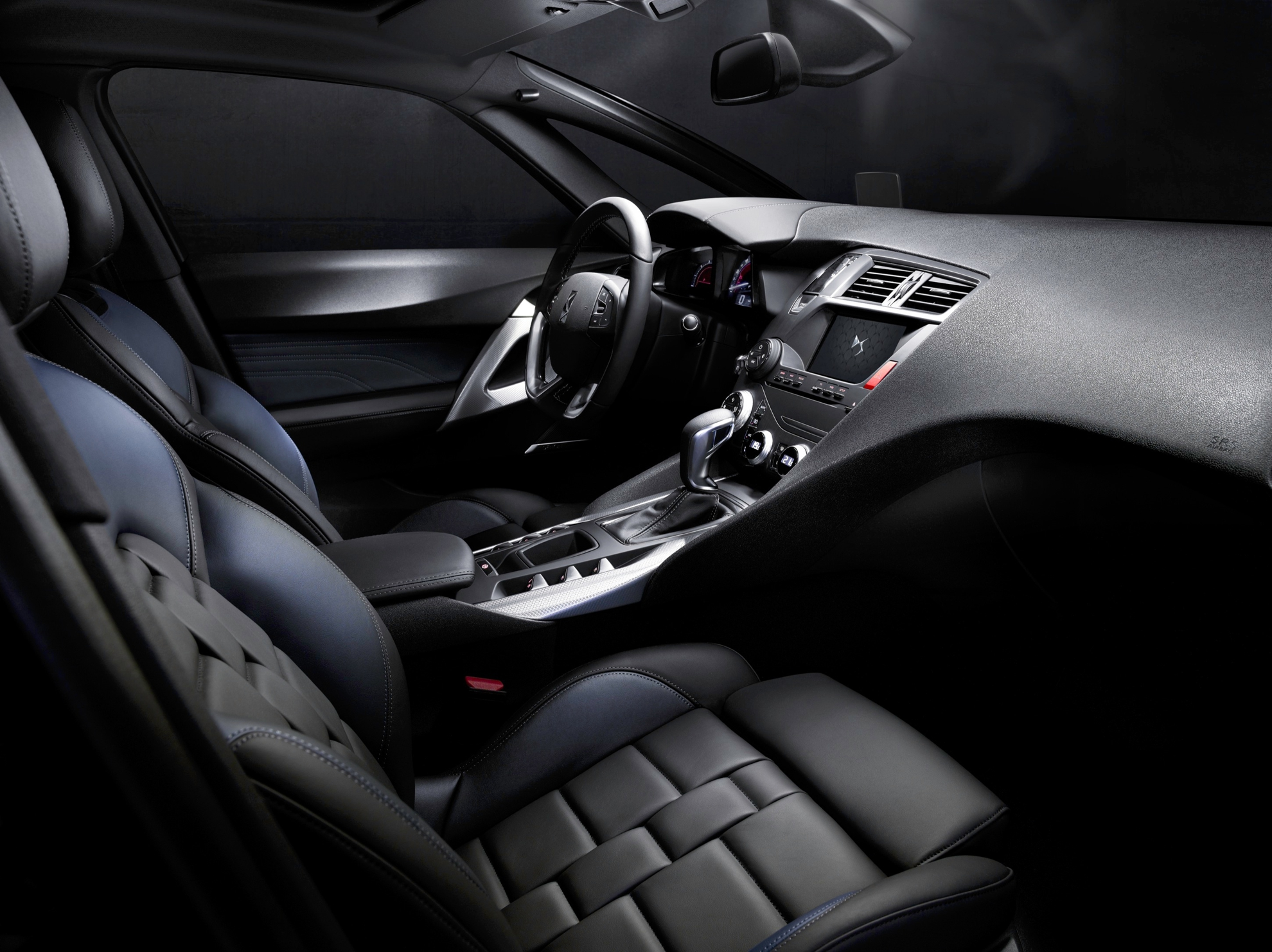 NEW CITROEN DS 5 - THE SYMBOL OF THE DS BRAND