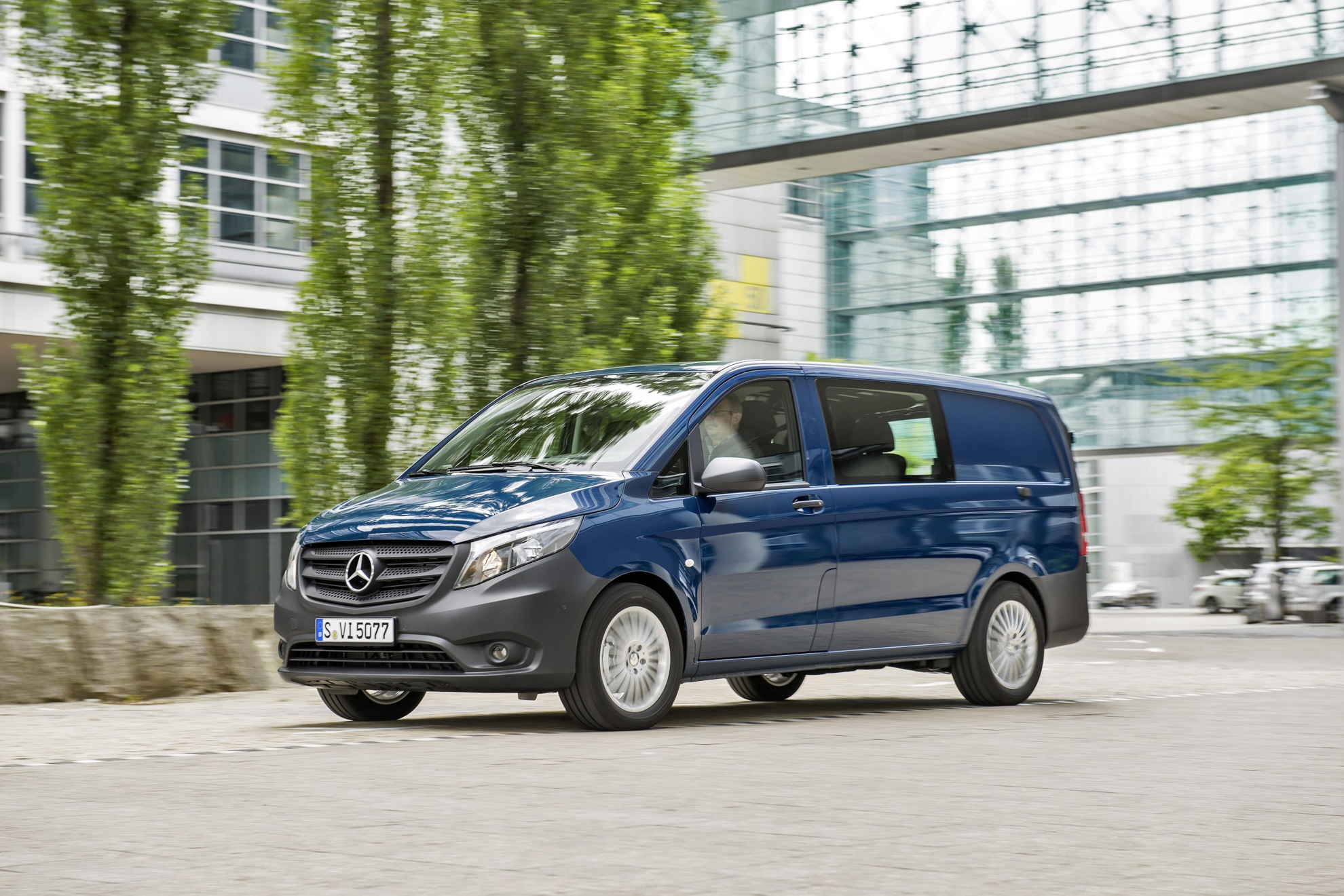 how much does the mercedes benz vito cost. Black Bedroom Furniture Sets. Home Design Ideas