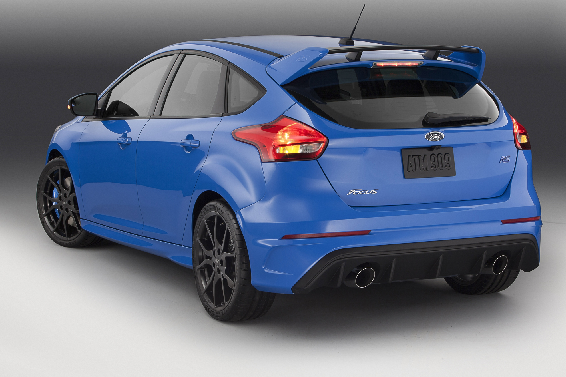 Ford-Focus-RS-2015-Rear