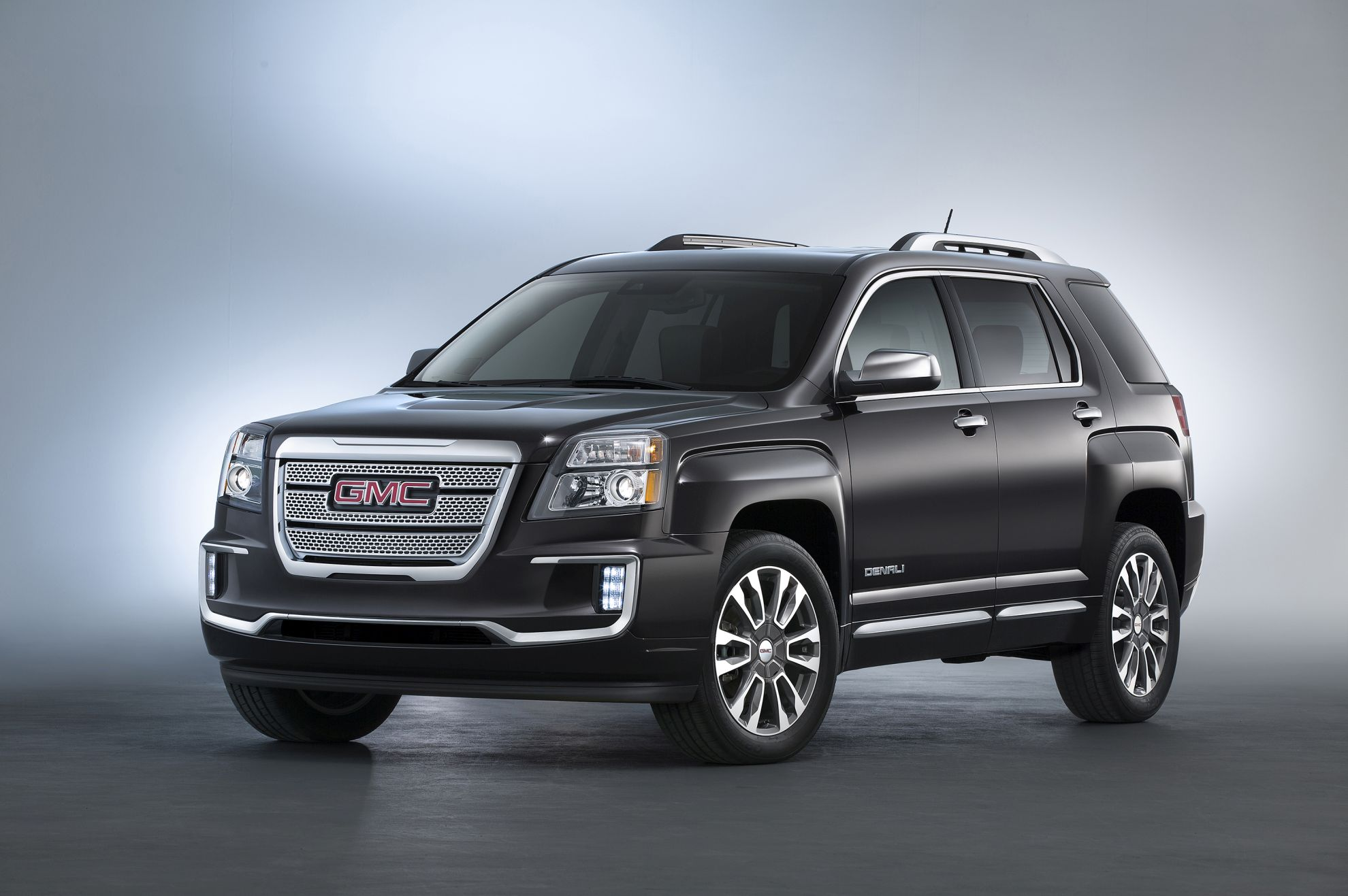 GMC-Introduces-2016-Terrain-at-New-York-Motor-Show