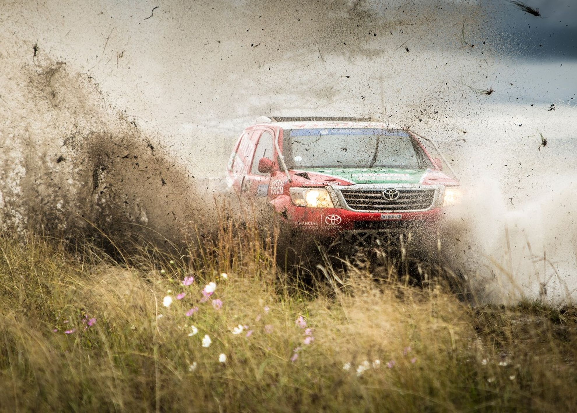 LEEROY POULTER WINS FIRST RACE IN TOYOTA HILUX IN TESTING RFS ENDURANCE RACE