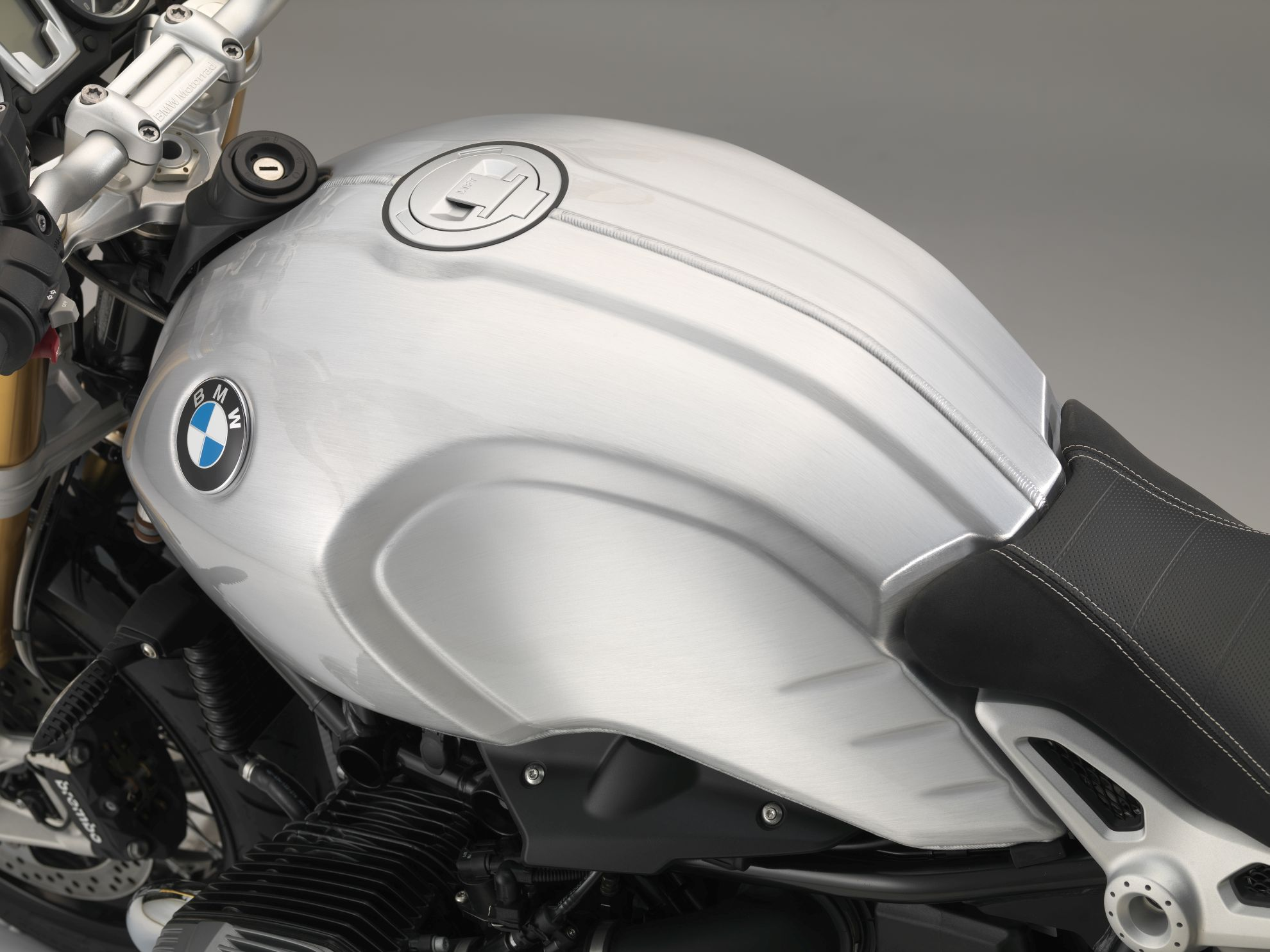 BMW-Motorrad-expands-Customizing-range-for-the-R-nineT-2