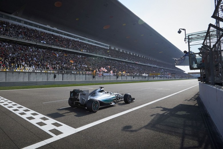 Hamilton-leads-Mercedes-1-2-in-Chinese-Grand-Prix-with-Nico-Rosberg-second-at-Shanghai-International-Circuit