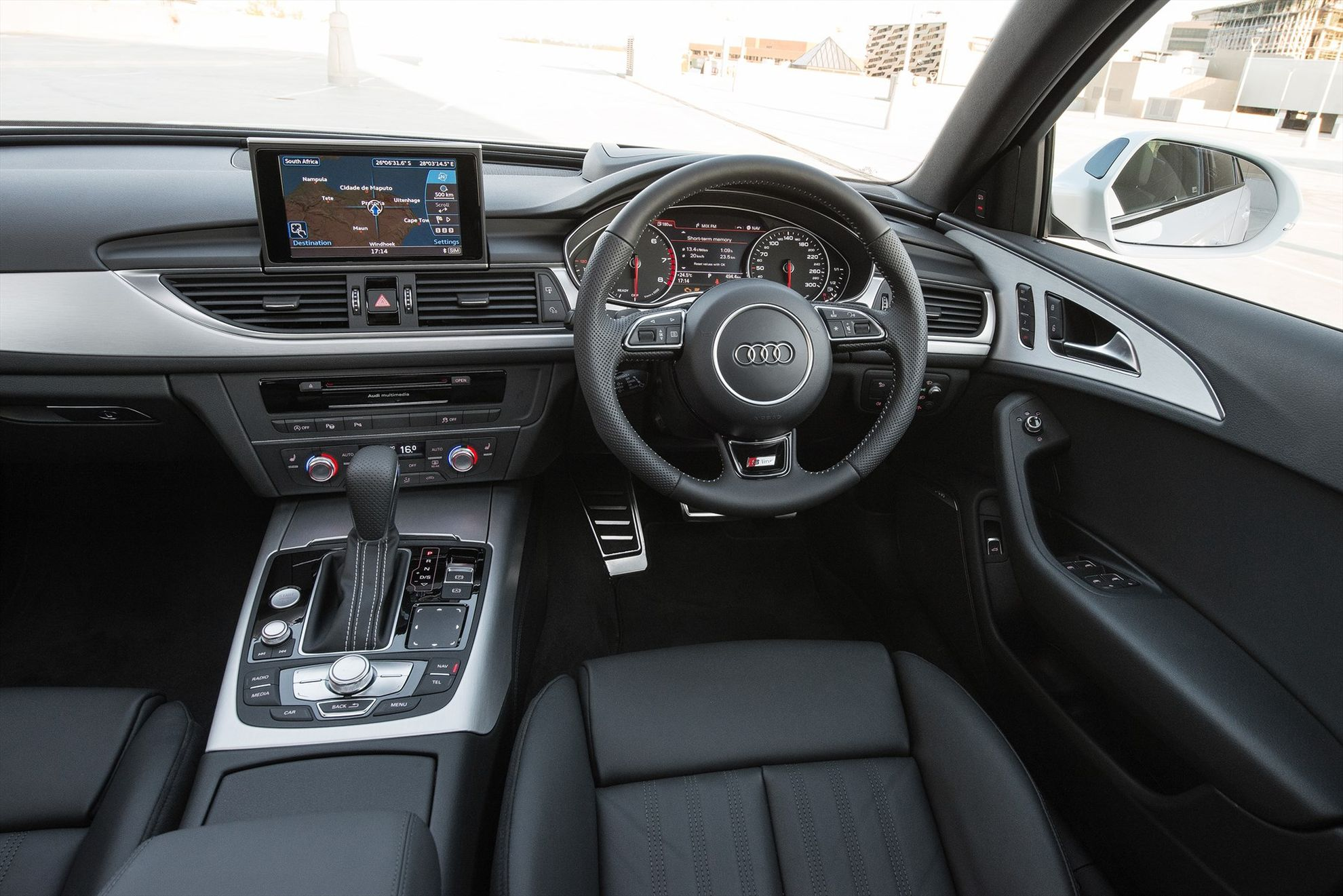 Improved-power-and-styling-the-new-Audi-A6-and-Audi-A7-Sportback-A6-interior