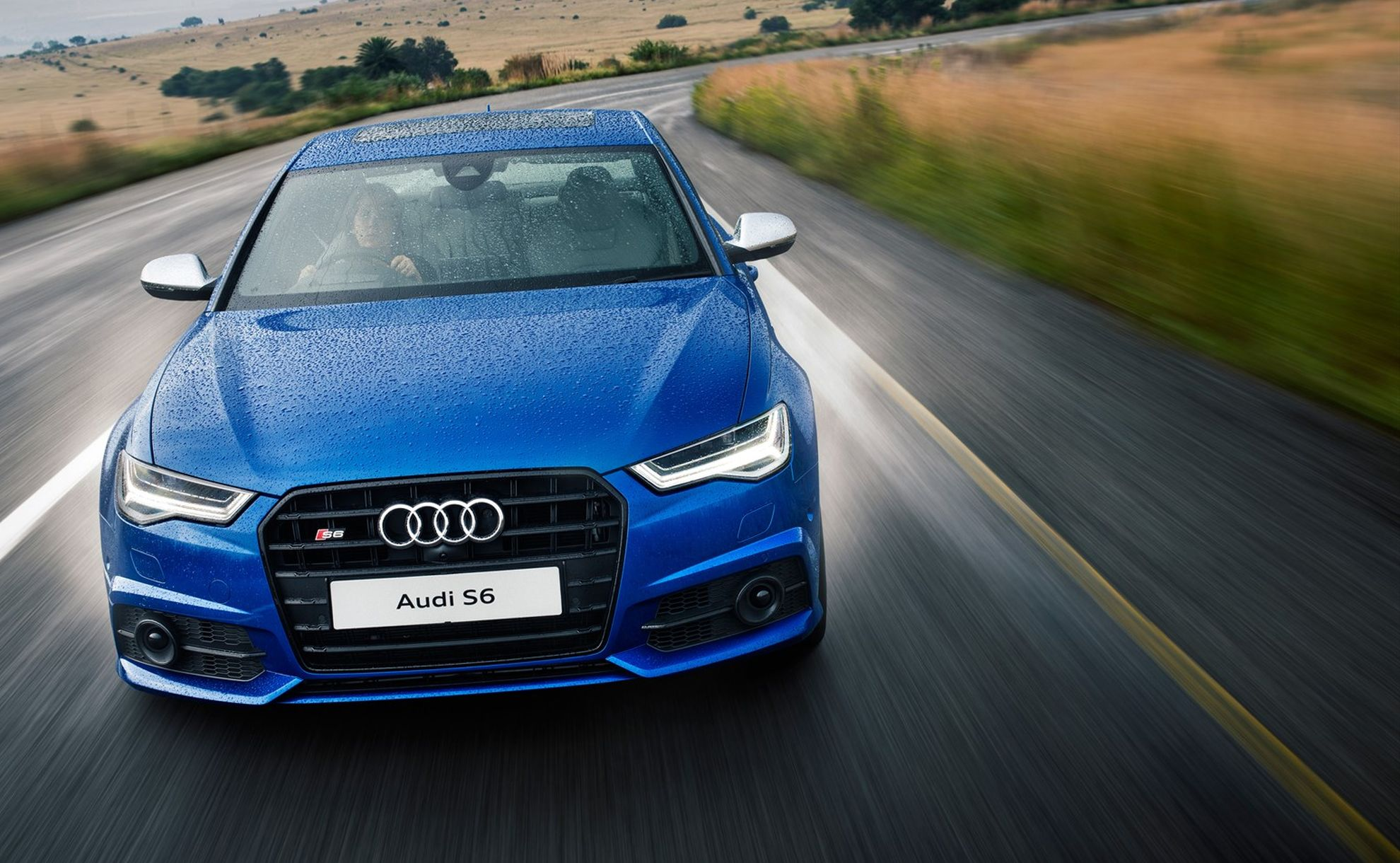 Improved-power-and-styling-the-new-Audi-A6-and-Audi-A7-Sportback-S6