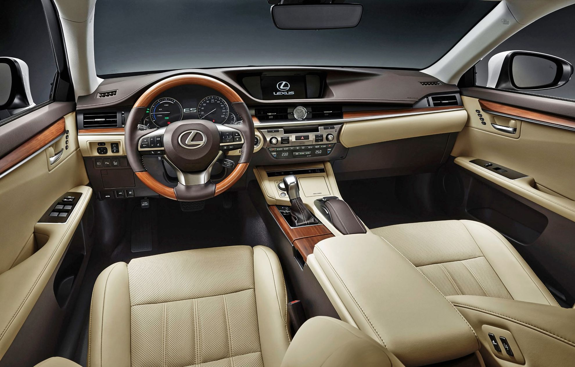 lexus-es-at-the-shanghai-international-motor-show-interior