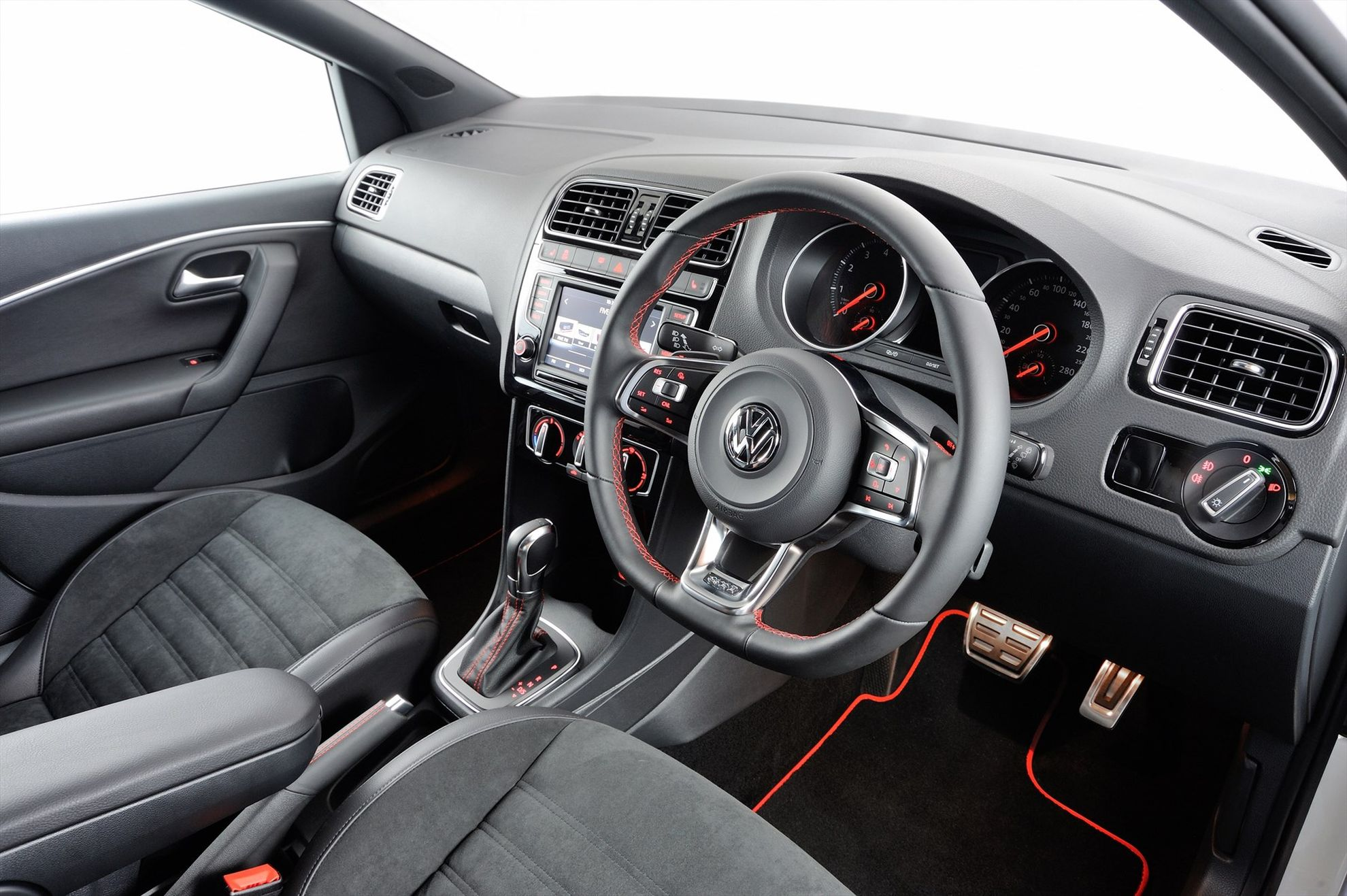 The-New-Volkswagen-Polo-GTI-in-South-Africa-interior