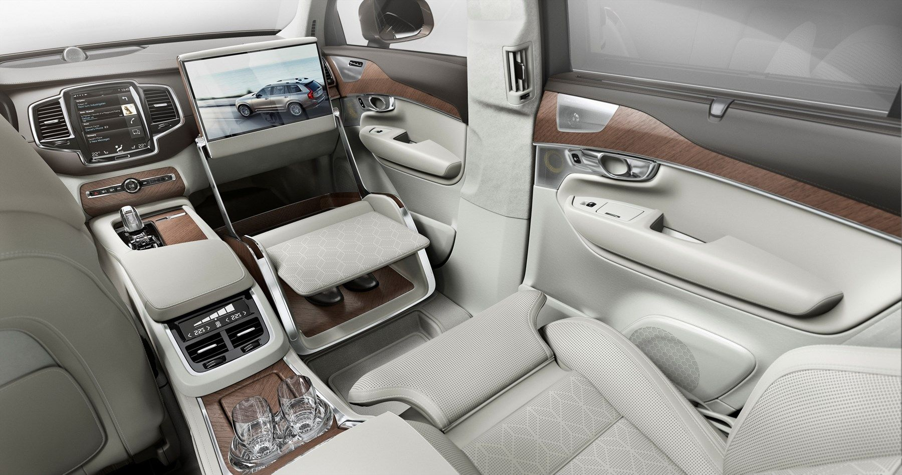 Volvo-Cars-takes-luxury-to-a-new-level-with-its-Lounge-Console-unveiled-in-Shanghai-1