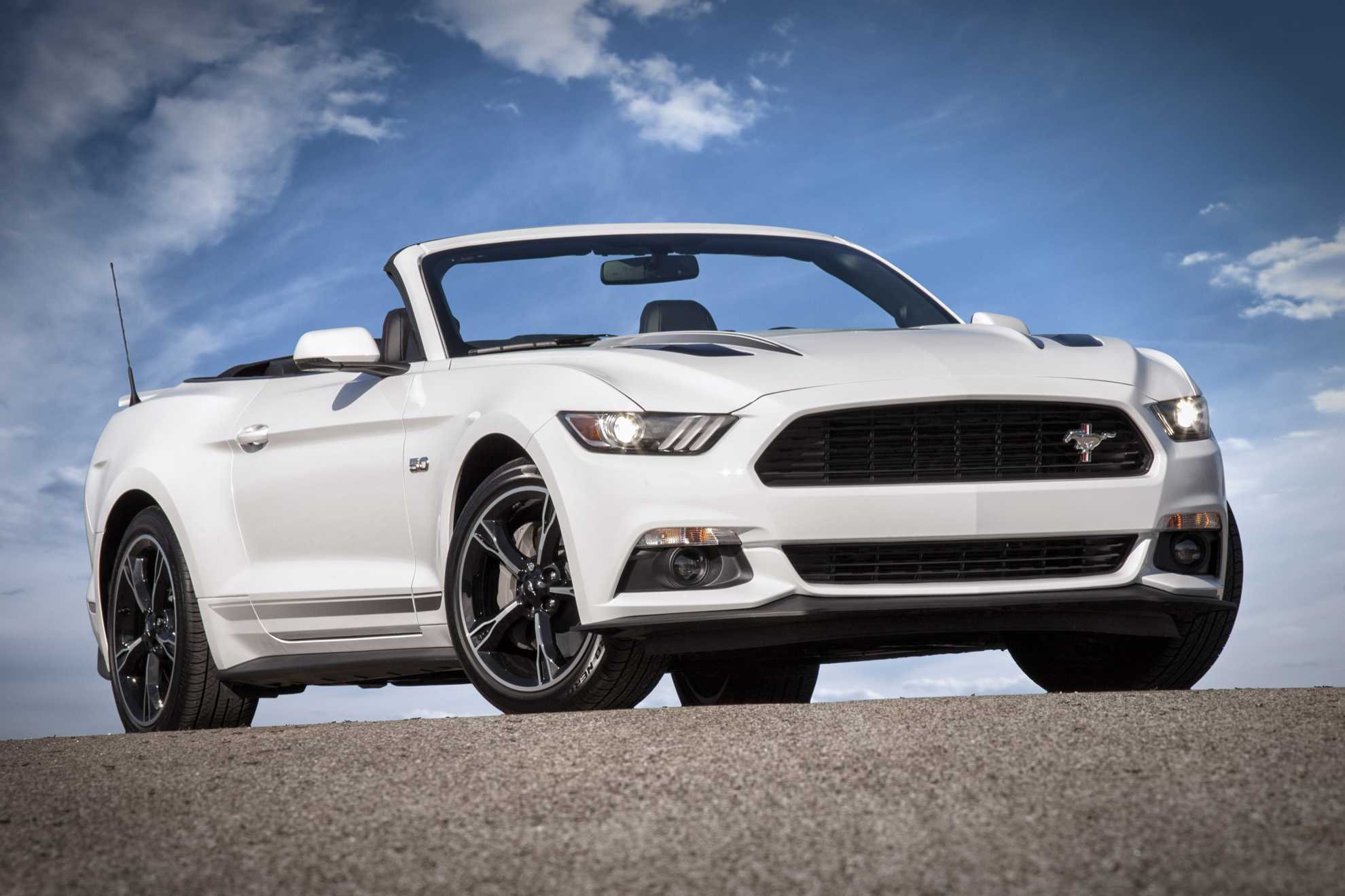 Ford-Mustang-GT-2016