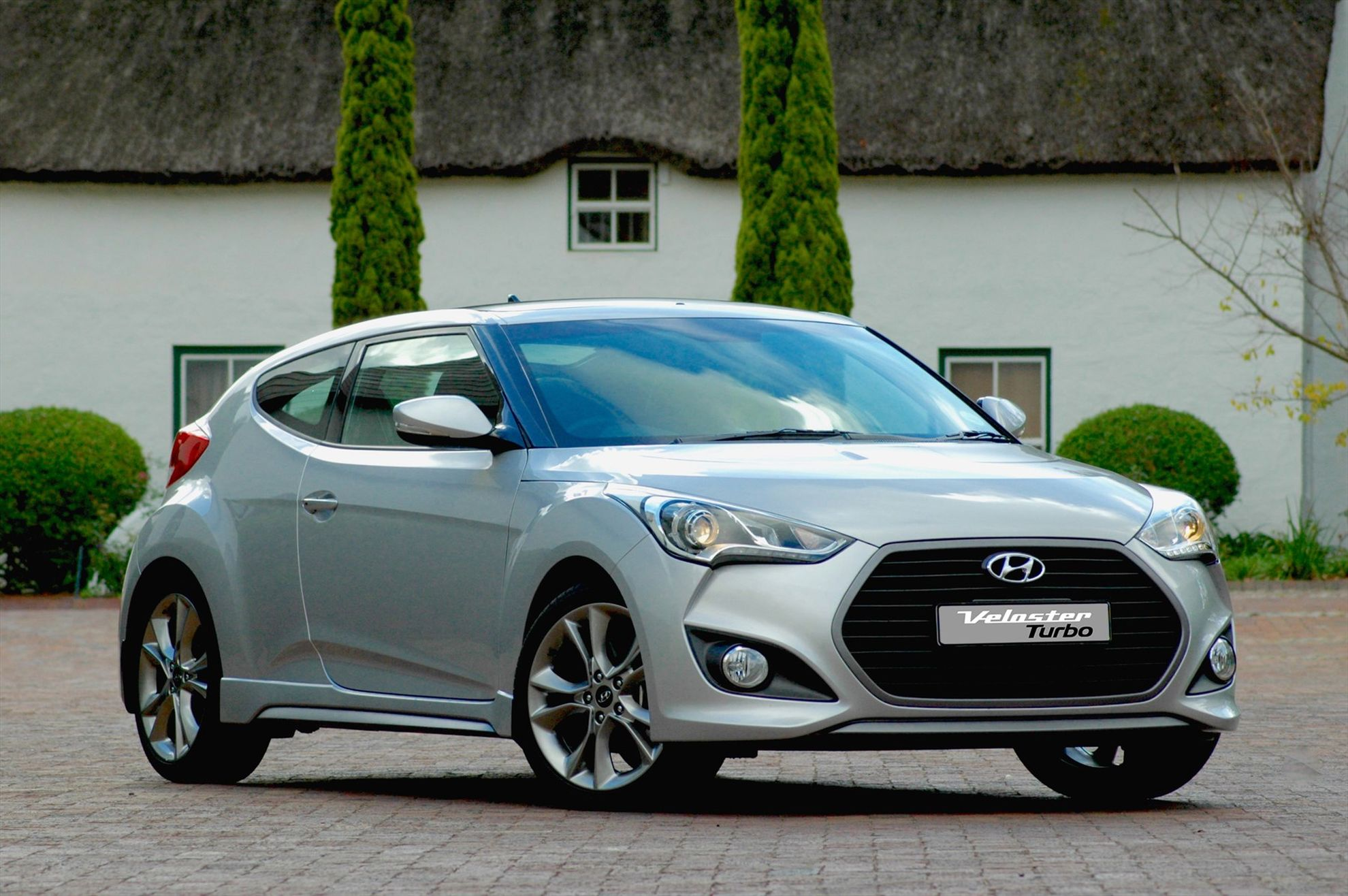 hyundai veloster gets a boost from 150 kw turbo engine. Black Bedroom Furniture Sets. Home Design Ideas