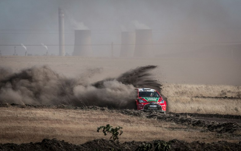 toyota-scores-stunning-second-for-dakar-king-giniel-de-villiers-on-secunda-motor-rally-car