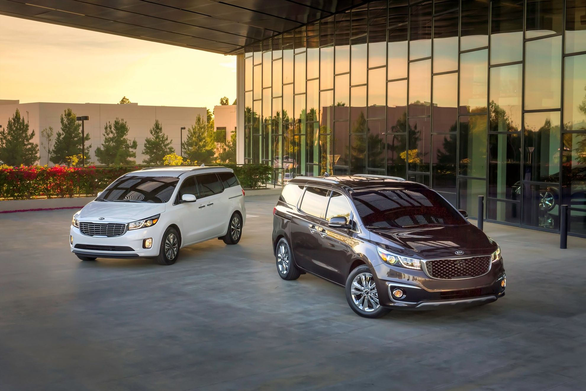 2015-KIA-Sedona-receives-JD-Power-APEAL-award