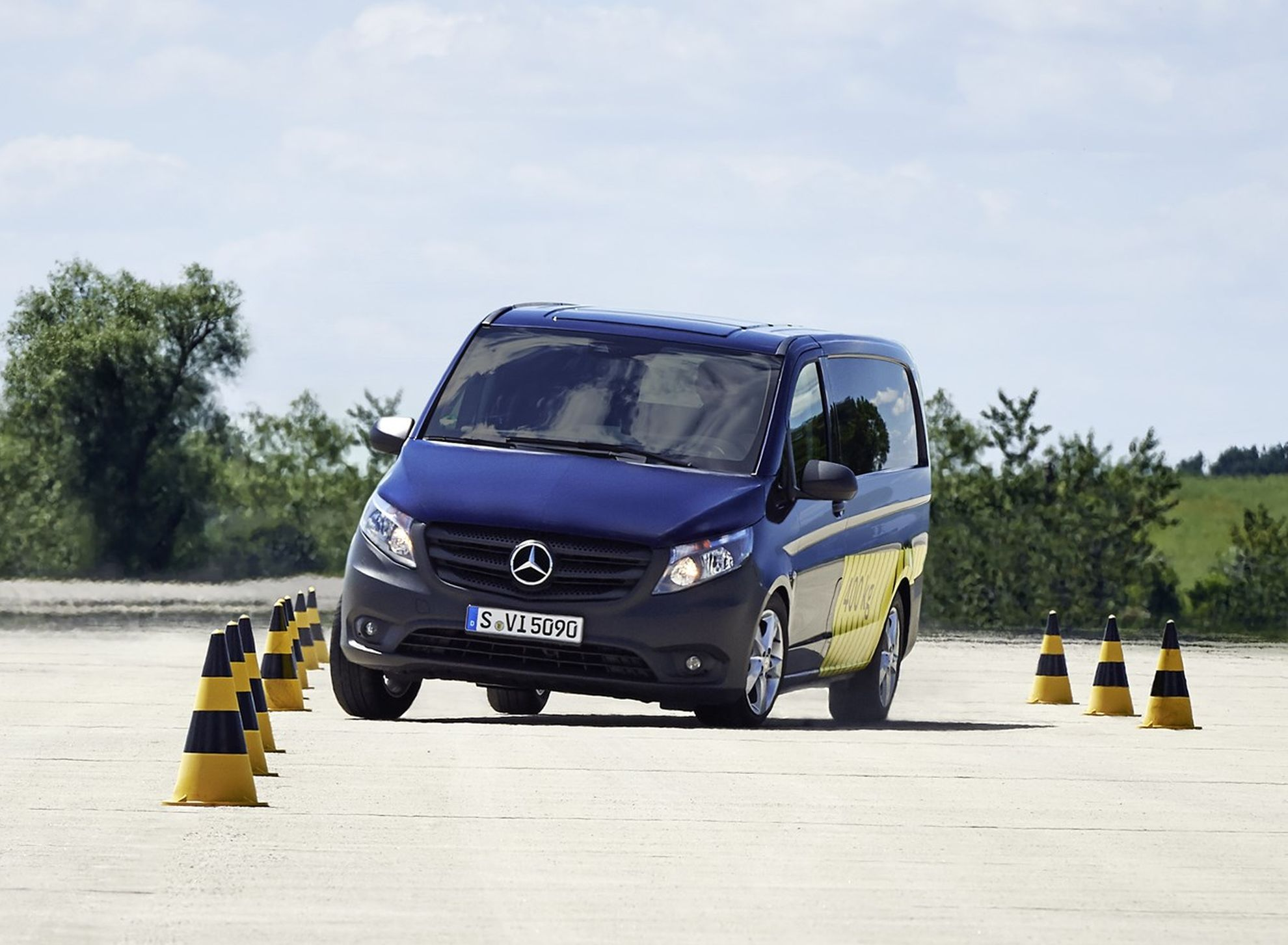 daimler-puts-new-safety-technology-on-the-road-close-up