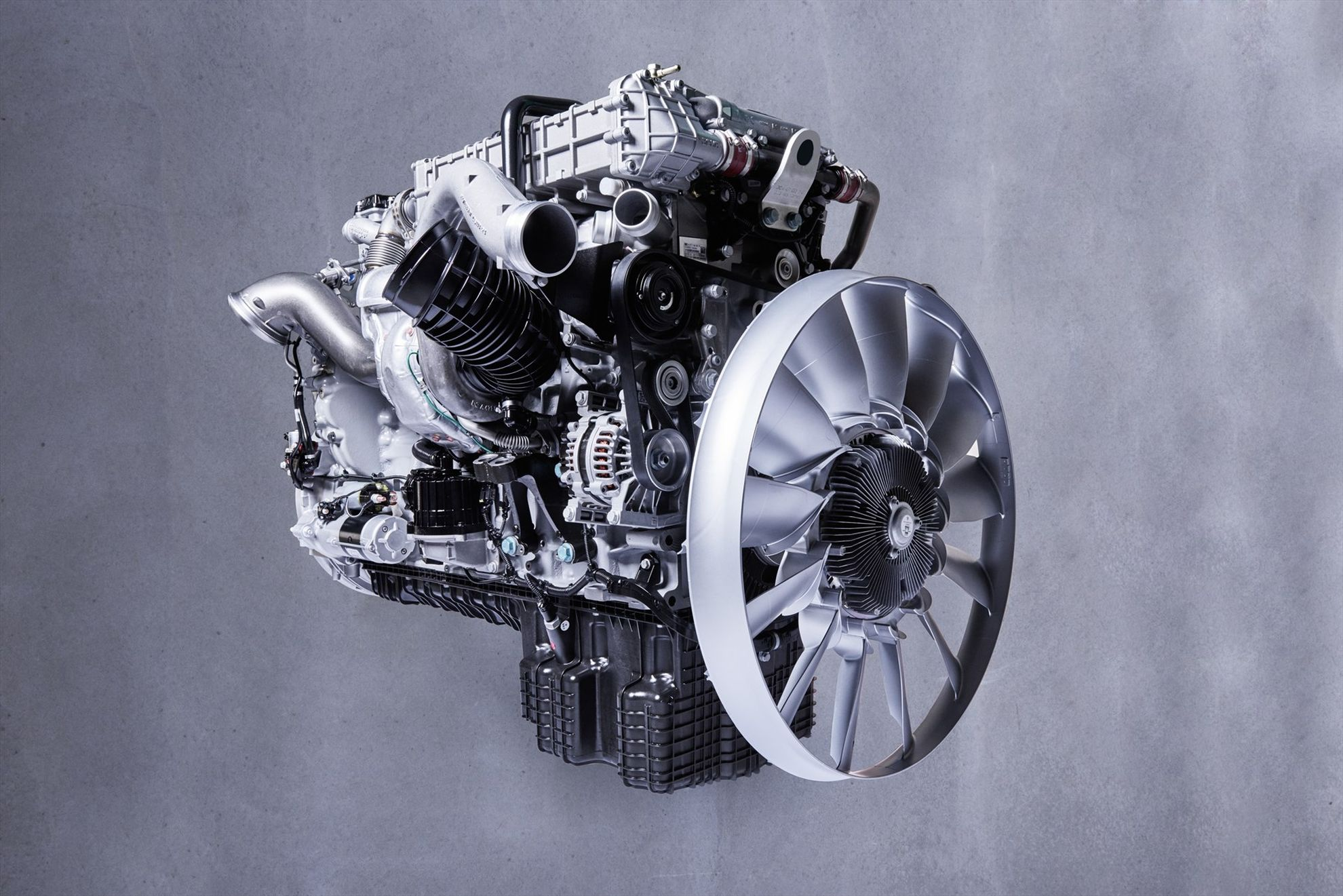 Mercedes-Benz-OM-471-engine