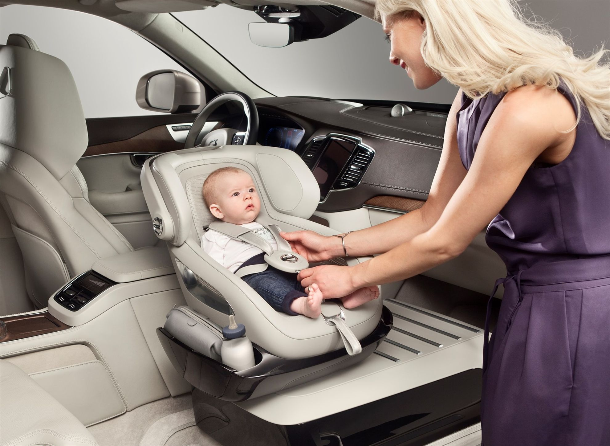 volvo-excellence-child-seat-concept
