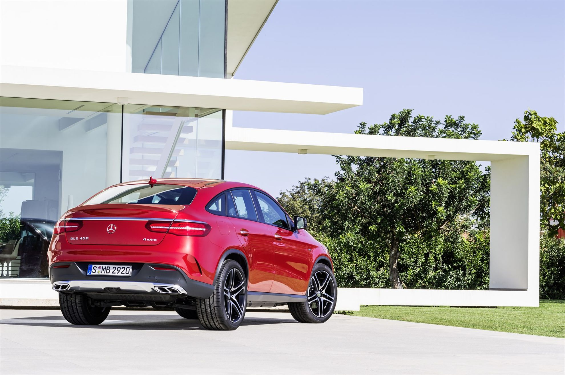 gle-450-amg-coupe-rear