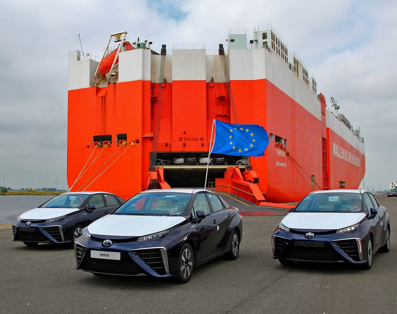 toyota-mirai-arrives-in-europe