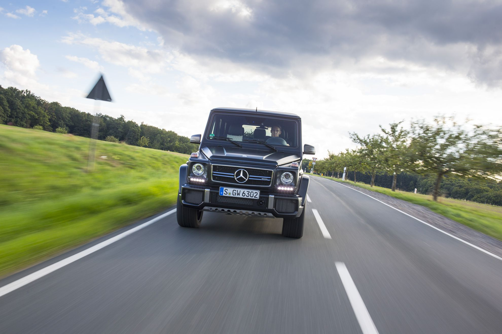 Mercedes-Benz-G-Wagon-2015
