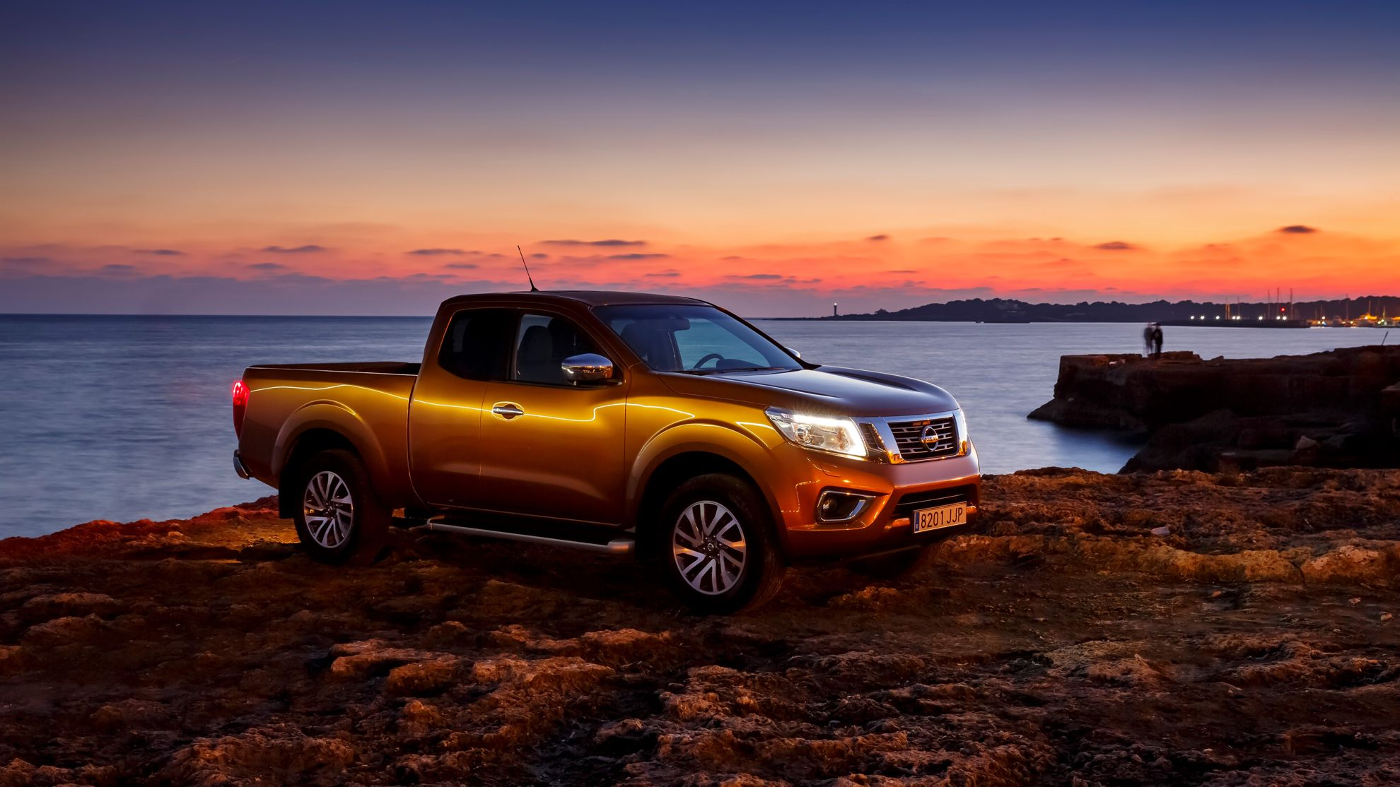all new nissan np300 navara wins international pick up crown. Black Bedroom Furniture Sets. Home Design Ideas