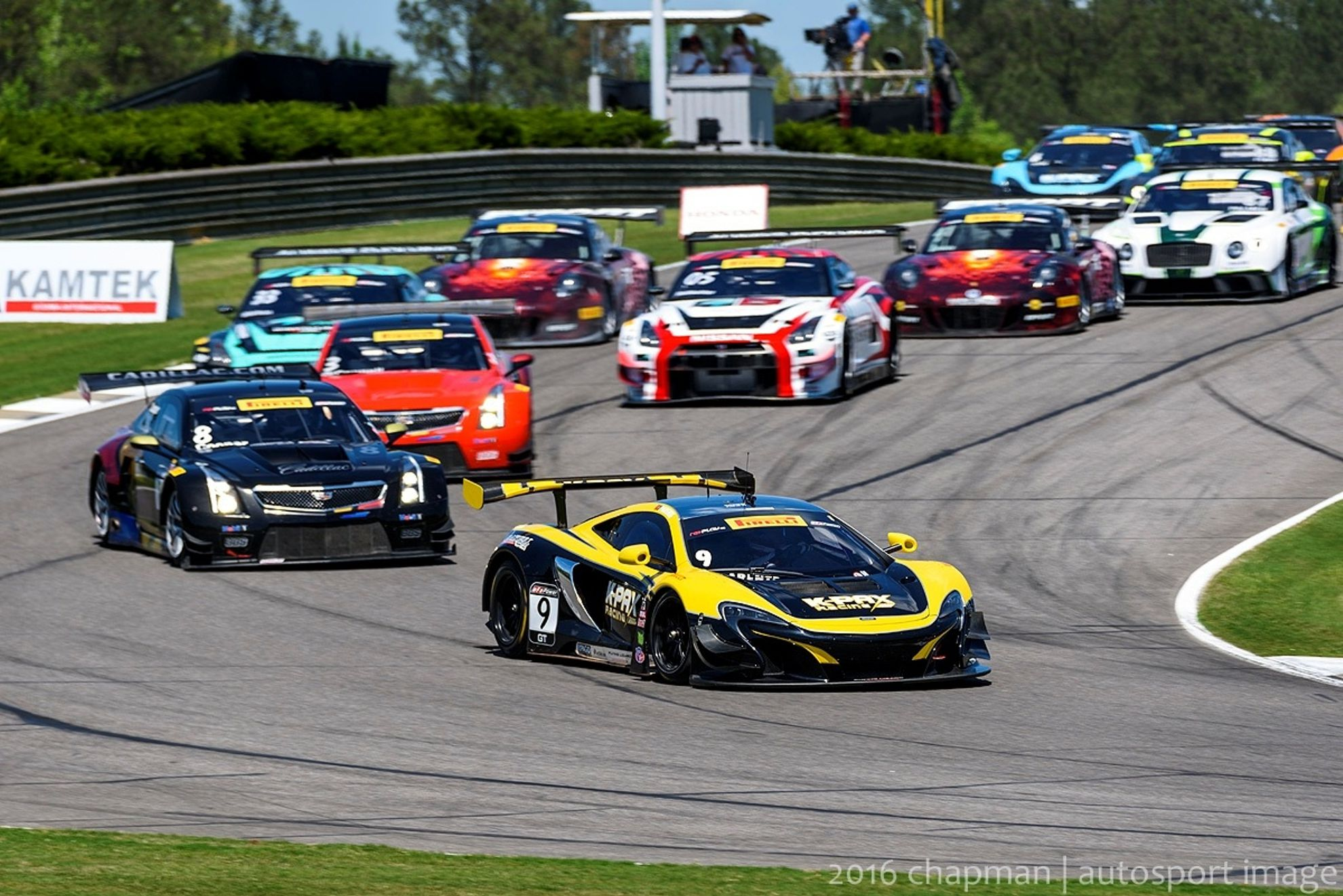 mclaren 650s gt3 takes wins in three countries