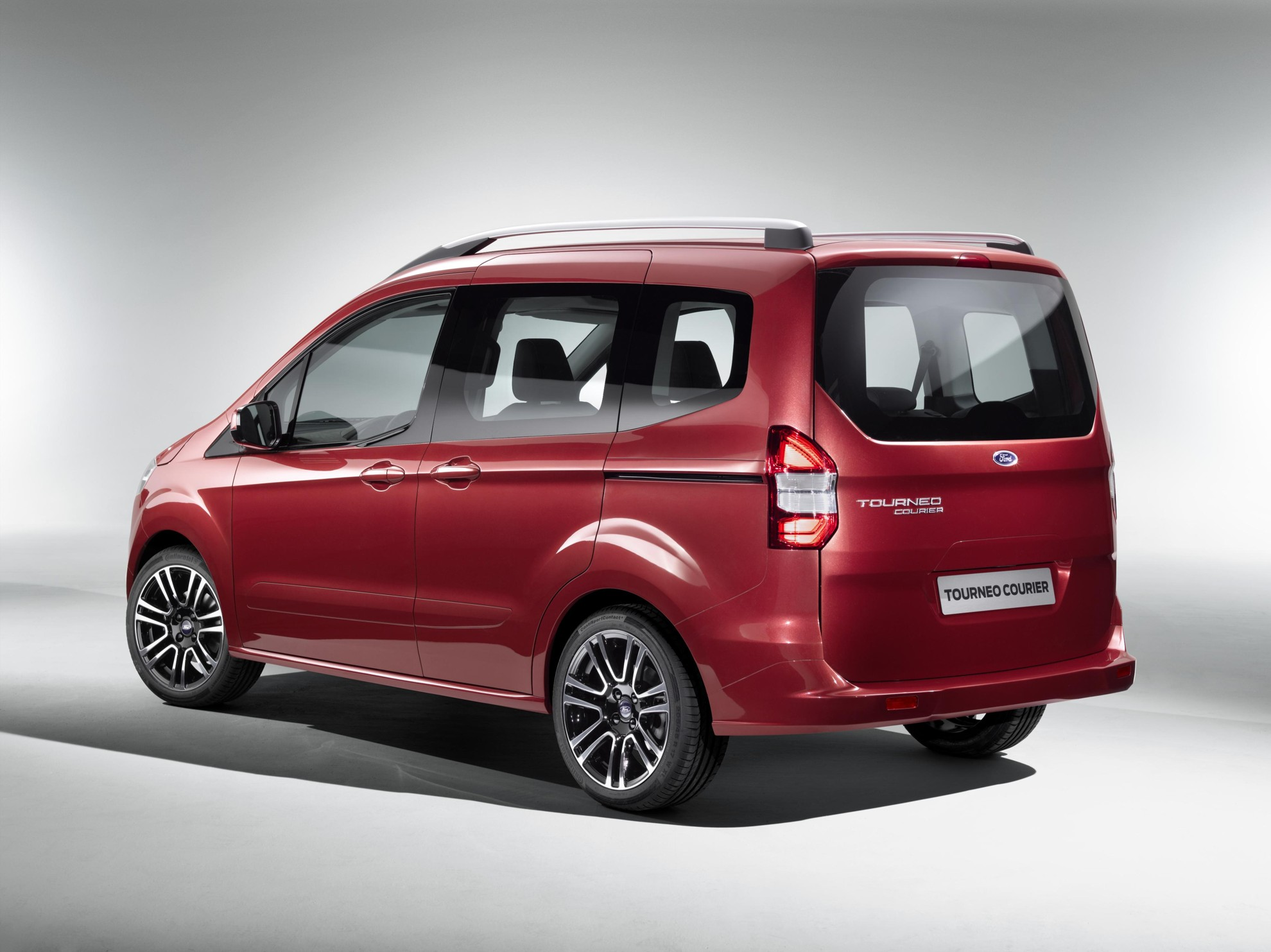 Ford Tourneo Courier 2013